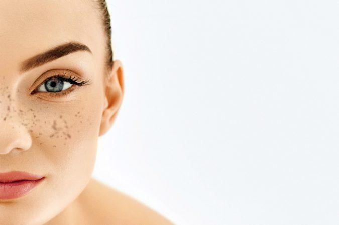 urządzenie kosmetyczne do usuwania przebarwień na twarzy